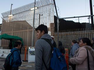 VS scheidt kinderen van hun ouders aan grens met Mexico
