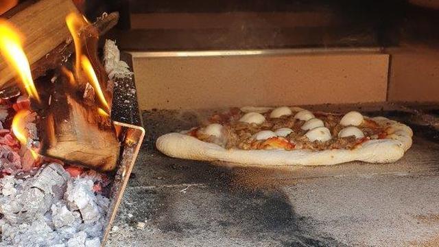 De klusser: 'Ons vakantiegeld is naar klussen en een pizza-oven gegaan'