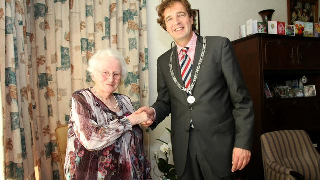 Goese mevrouw Van Weele 100 jaar jong