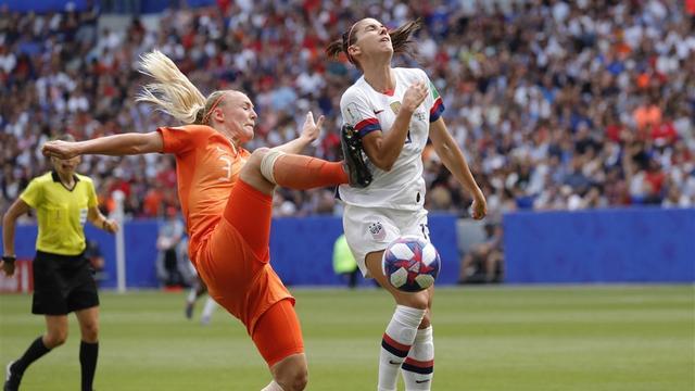 Van der Gragt heeft begrip voor toekennen strafschop in WK-finale