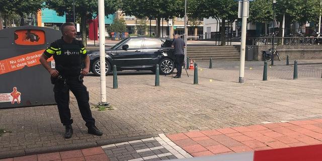 Politie arresteert vrouw voor schietpartij en carjacking bij Alexandrium