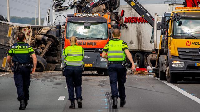 Dode en meerdere gewonden bij ernstig ongeval A73 bij Nijmegen.