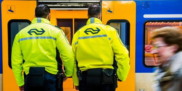 Meer geweld tegen NS-medewerkers ondanks flinke afname aantal reizigers
