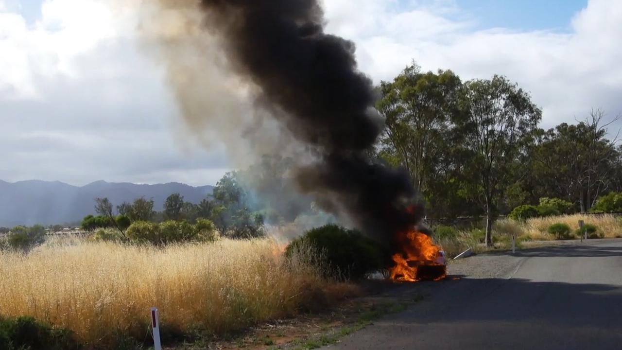 Zonneauto van TU Delft vliegt in brand tijdens race