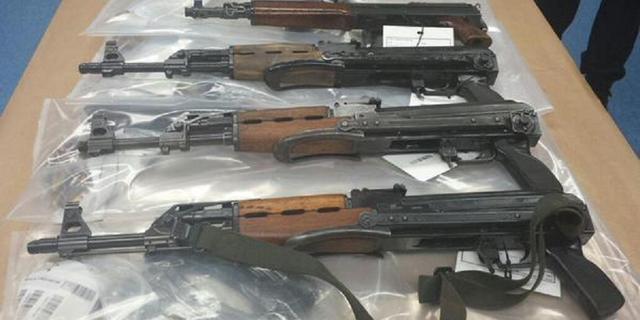 'Ongekend grote hoeveelheid vuurwapens' gevonden in Nieuwegein