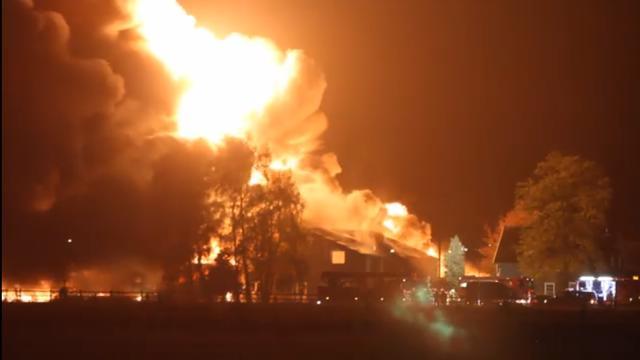 Grote brand bij recyclingbedrijf in Brabantse Someren-Heide