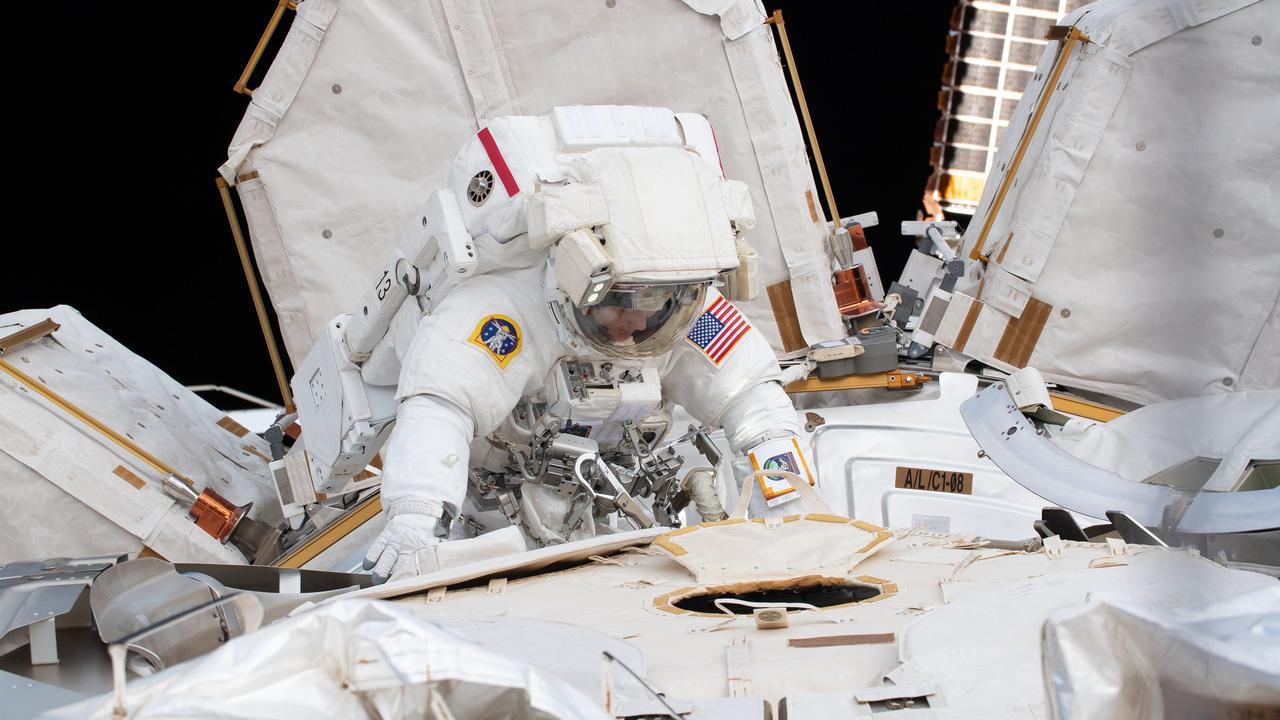 Amerikaanse astronauten maken alsnog eerste vrouwelijke ruimtewandeling