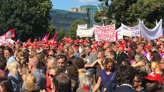 Vierduizend aanwezigen bij staking in de jeugdzorg op de Koekamp
