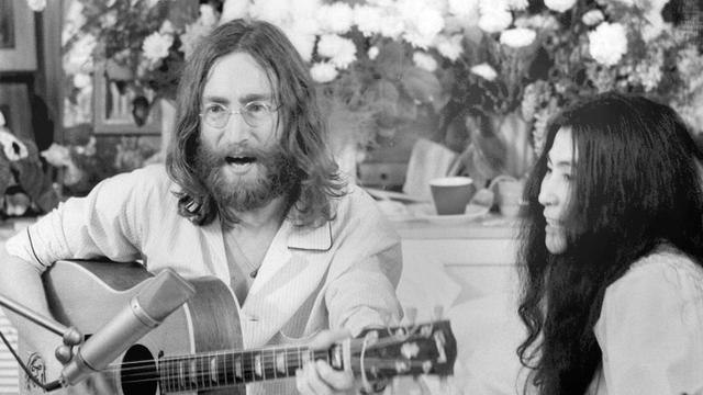 Yoko Ono krijgt erkenning voor meeschrijven 'Imagine'