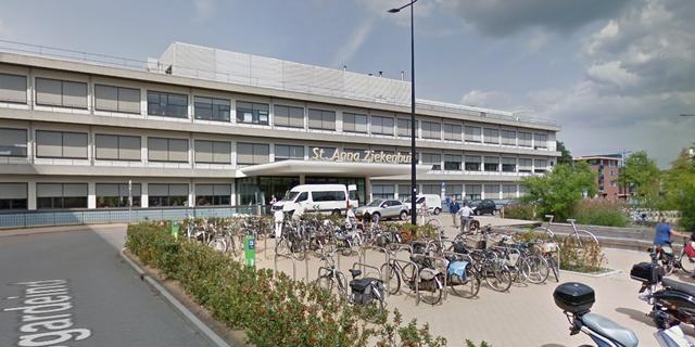 St. Anna Ziekenhuis Geldrop plaatst ook een triagetent