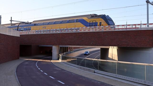 Inwoners Goes gevraagd om fietsen bij spoorwegondergang weg te halen