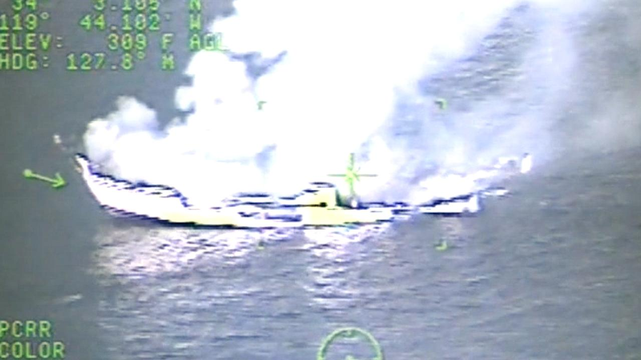 Kustwacht deelt beelden van fatale scheepsbrand in Californië