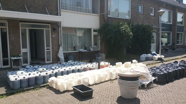 Politie treft 200.000 pillen aan in 'levensgevaarlijk' drugslab Eindhoven