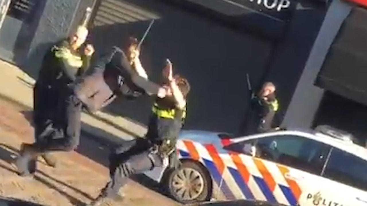 Agressieve man valt drie agenten aan in Waalwijk
