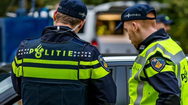 Man gewond bij steekpartij op Keizerstraat, twee verdachten opgepakt
