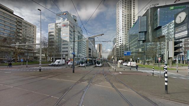 Twee lichtgewonden na botsing trams op Weena in Rotterdam-Centrum