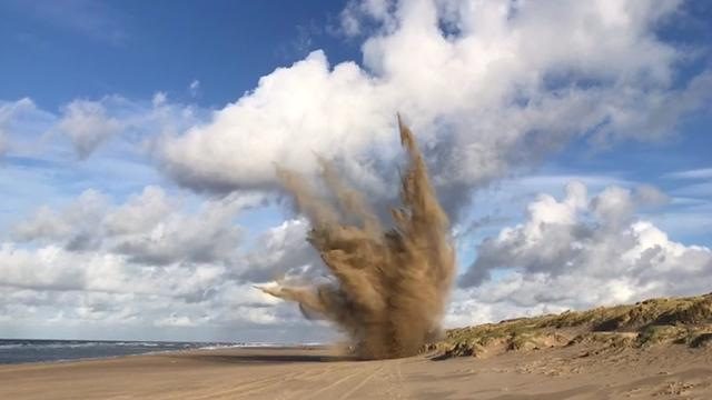 EOD brengt explosieven Scheveningen tot ontploffing