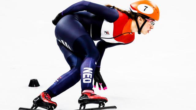Schulting begint wereldbekerseizoen met goud op 1.500 meter