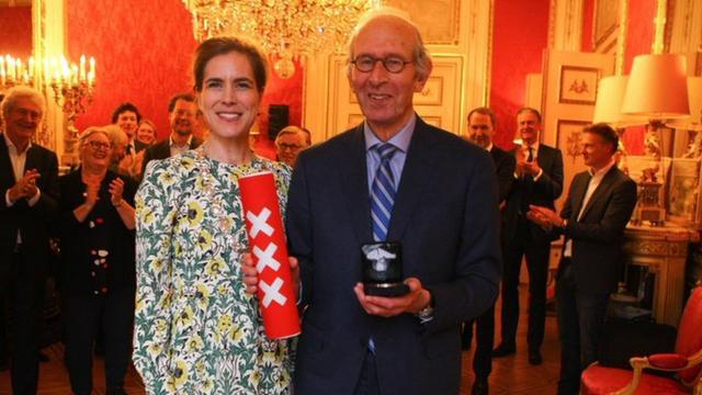 Voorvechter van de naam Johan Cruijff ArenA krijgt onderscheiding