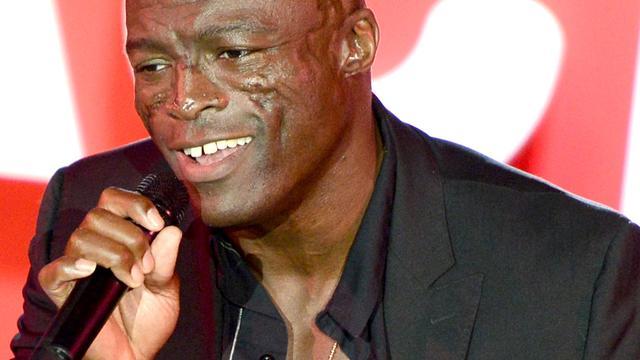 'Seal zoenend gezien met nieuwe vriendin'