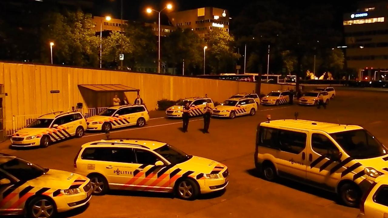 Grote politiemacht op de been voor oppakken man bij Philips Stadion