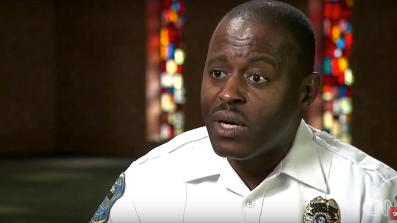 Donkere politiechef aangesteld in Ferguson