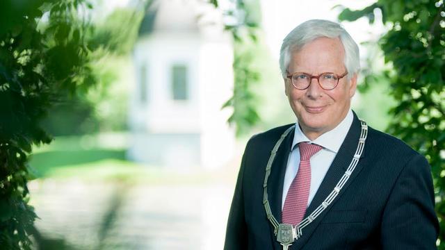 Bergse oud-wethouder Giel Janssen burgemeester af