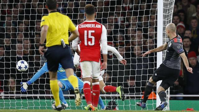 Samenvatting: Arsenal verliest weer met 5-1 van Bayern München