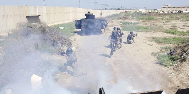 VS en bondgenoten staken trainingsmissie in Irak, militairen extra beveiligd