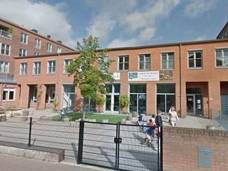 Het schoolbestuur stapt naar de rechter