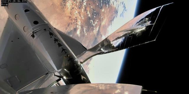 Bemand ruimtevaartuig Virgin Galactic veilig teruggekeerd na testvlucht