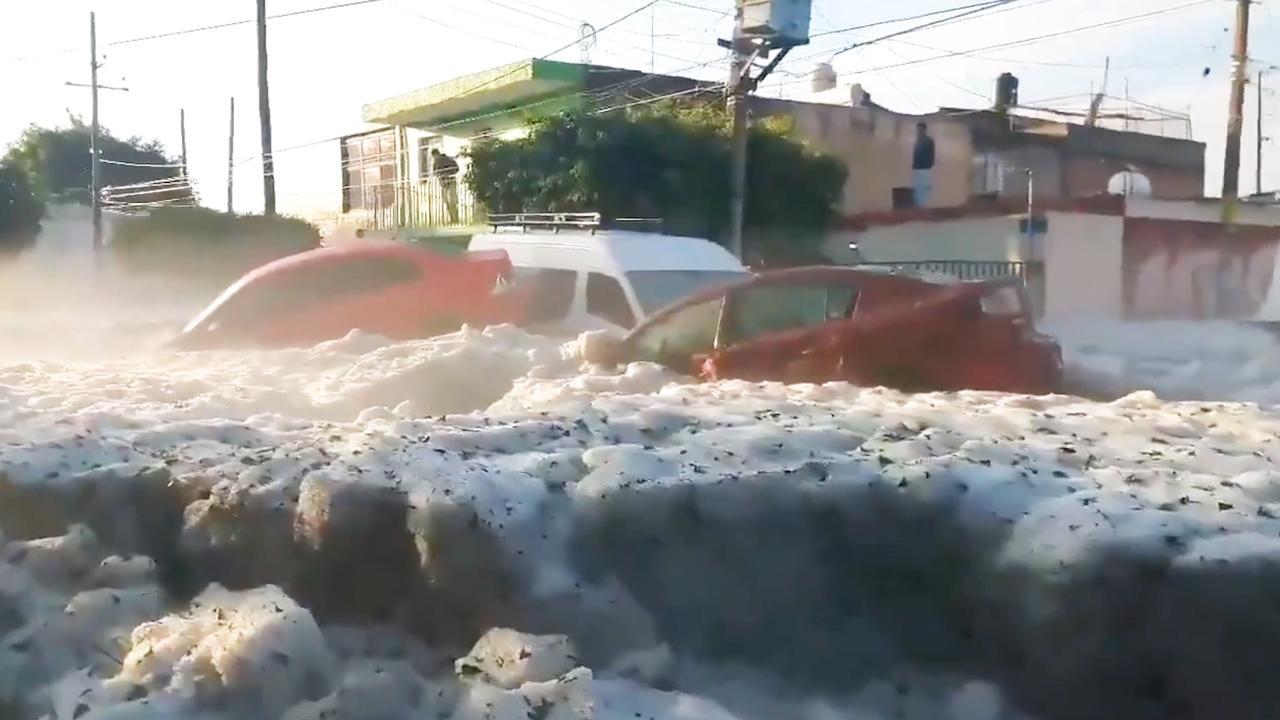 Mexicaanse stad na hagelbuien bedolven onder dikke ijslaag