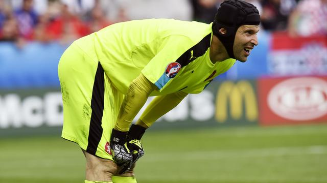 Recordinternational Cech stopt als doelman Tsjechië