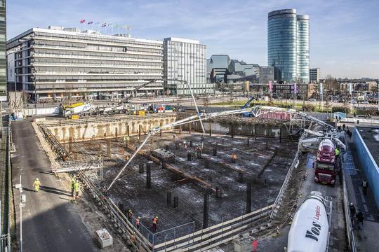 Honderden ladingen beton gestort bij Galaxy Tower in Utrecht