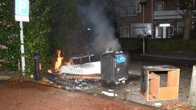 Brandweer heeft buitenbrand op Saffierplaats in Middelburg snel geblust