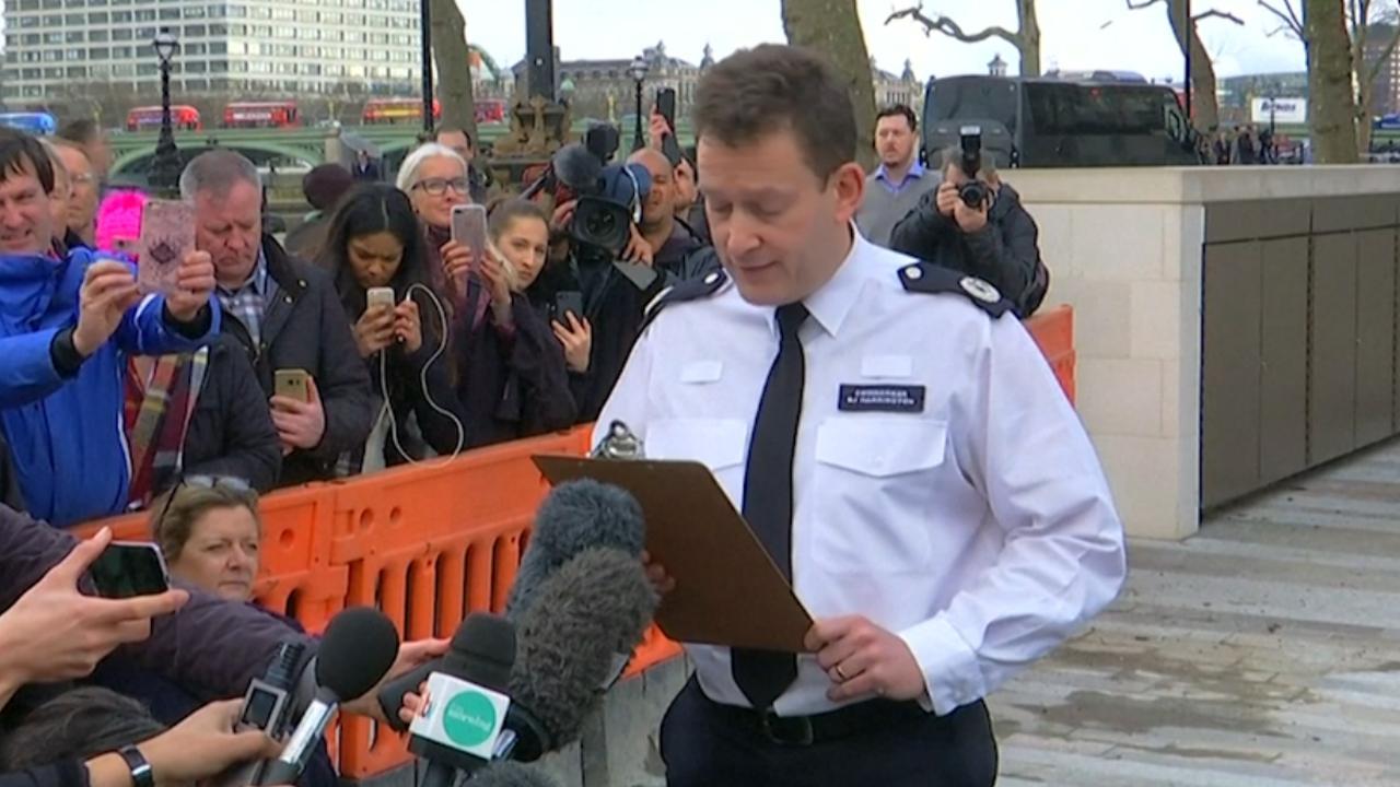 Britse politie vraagt mensen weg te blijven vanwege onderzoek aanslag