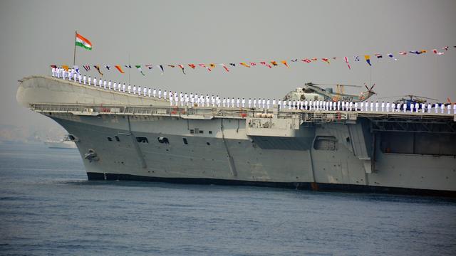 Bouw eigen vliegdekschip India tien jaar vertraagd