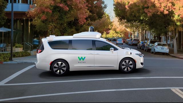 Zelfrijdende Google-auto heeft flinke voorsprong op concurrentie