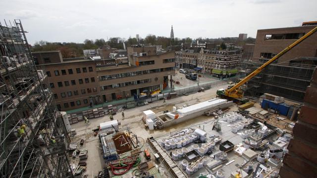 Mee op inspectie door de centrumzijde van station Breda (foto's)