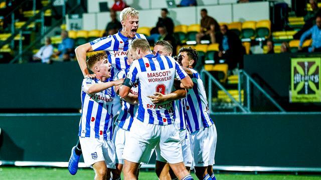 Heerenveen voorlopig aan kop na zege in Sittard, Vitesse klopt tiental  Sparta | NU - Het laatste nieuws het eerst op NU.nl