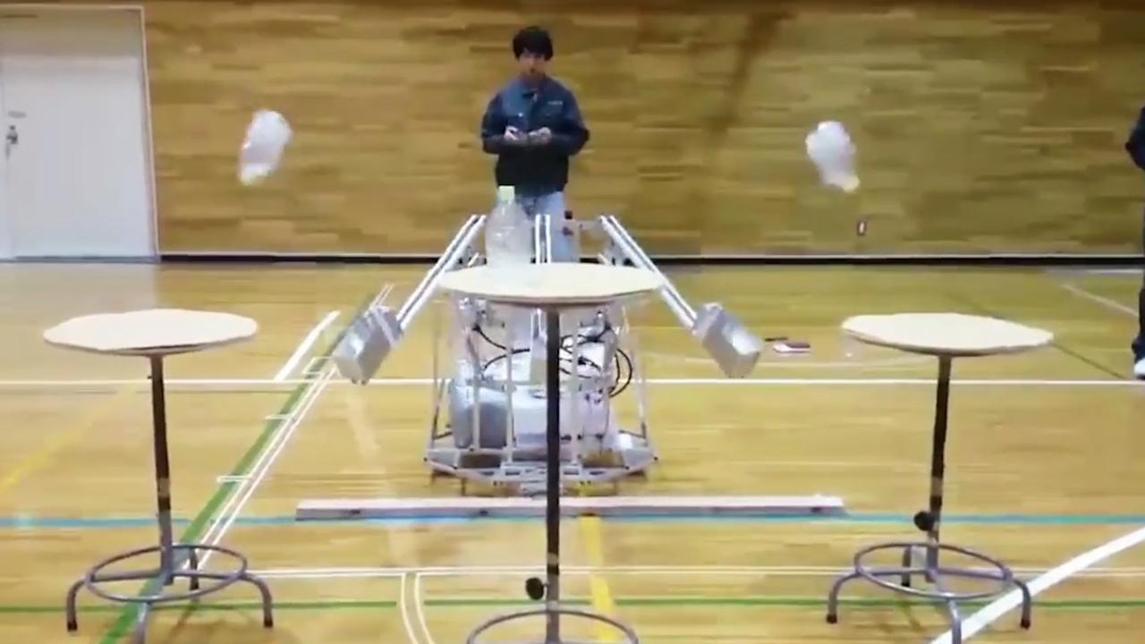 Japanse robot doet perfecte 'bottle flip'