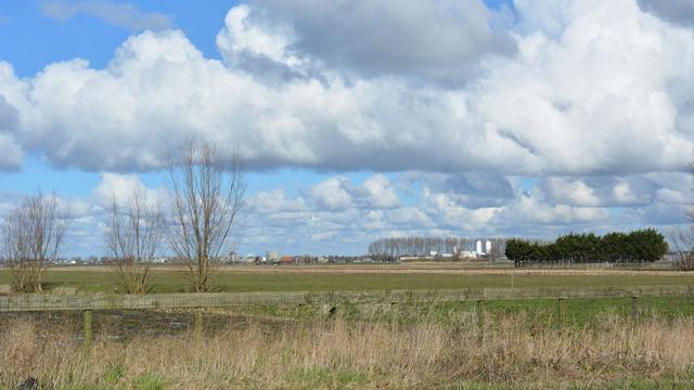 Arnhem keurt woningbouw langs Rijn goed