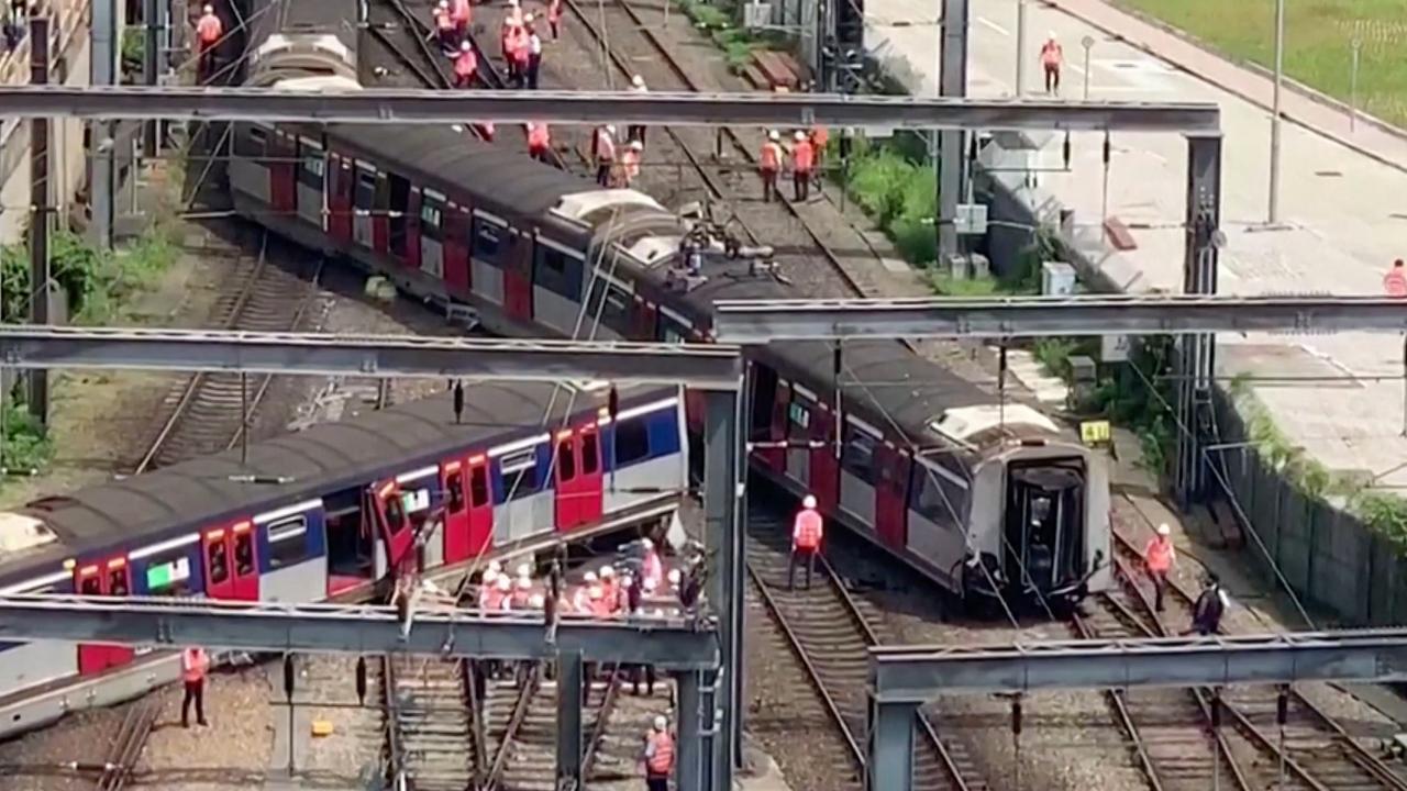 Voor de eerste keer trein ontspoord in Hongkong