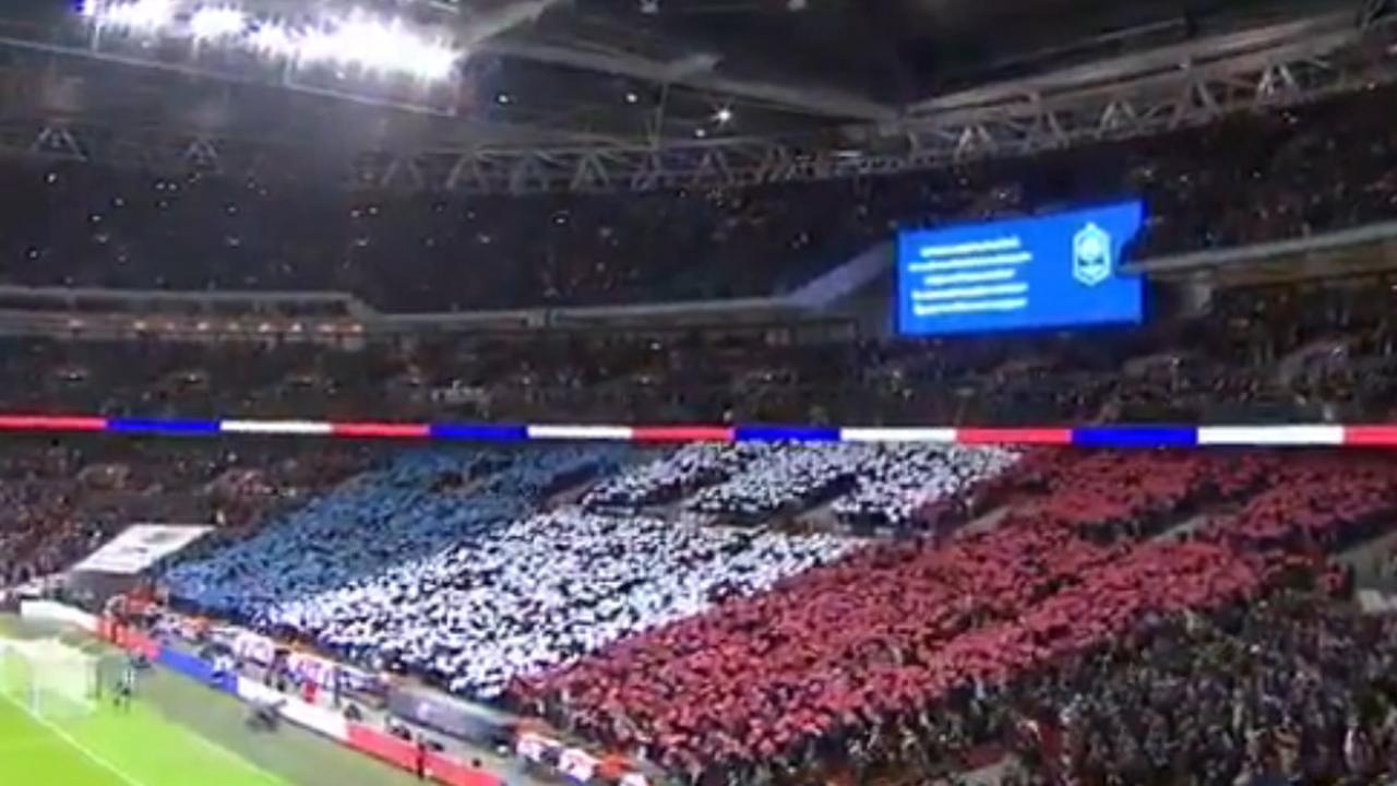 Marseillaise klinkt in Wembley stadion