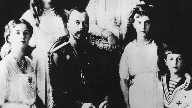 Onderzoek naar resten laatste Russische tsaar hervat