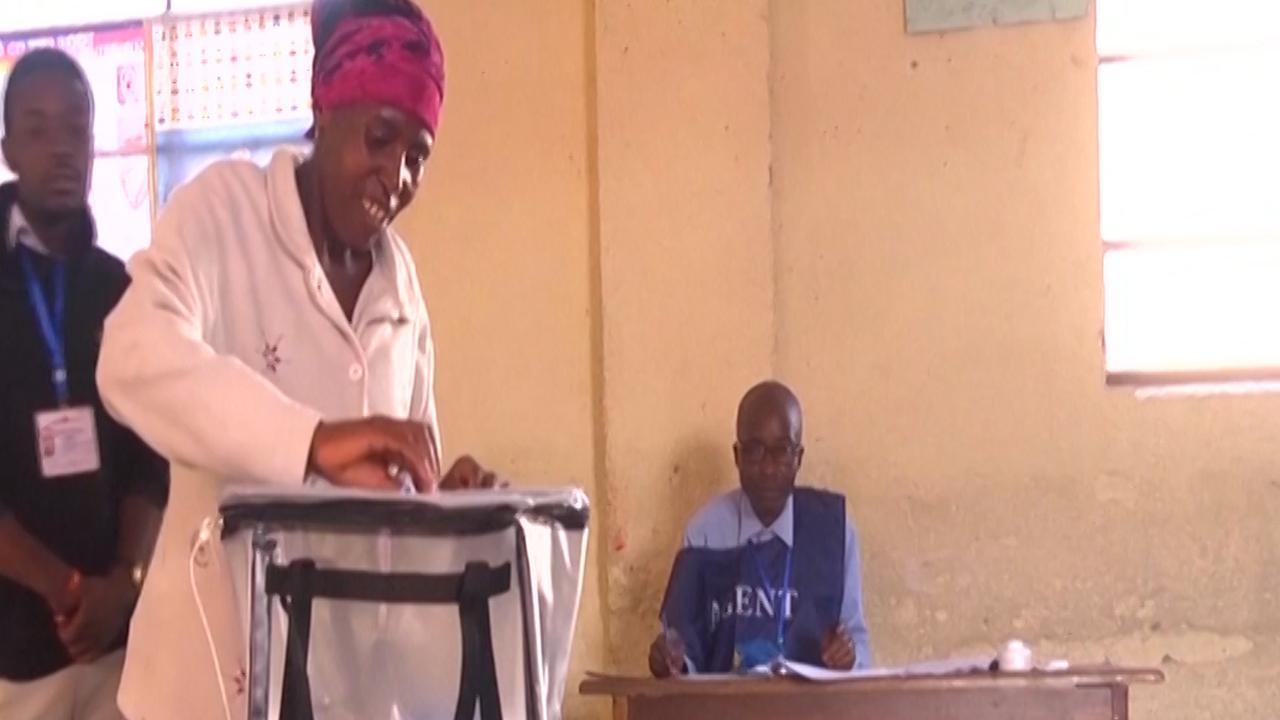 Storm hindert eerste 'vreedzame' verkiezingen in Congo