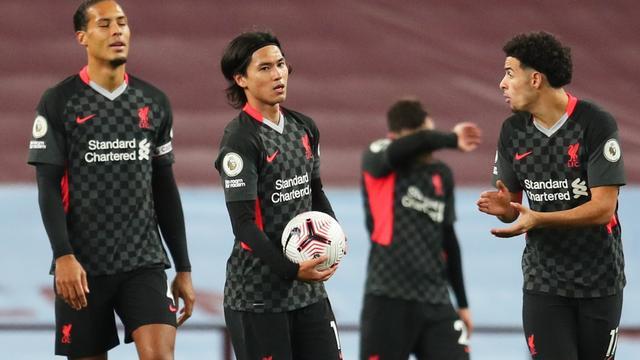 Liverpool slikt zeven treffers bij recordnederlaag, ook afgang United