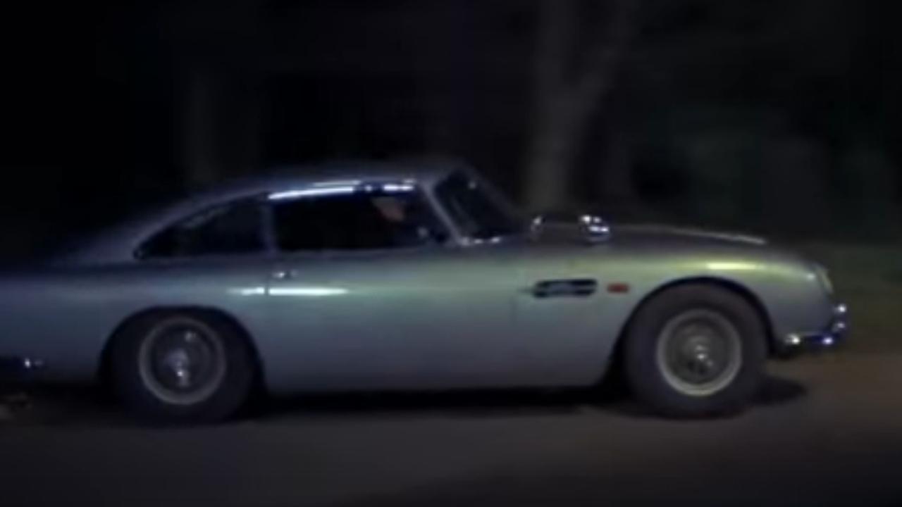 Bekijk hier de Aston Martin DB5 in Goldfinger (1964)