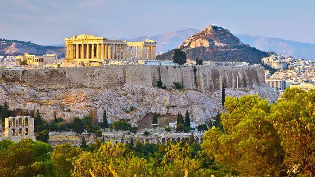 'Nederlanders in Griekenland redden zich goed'