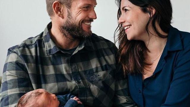 Boer Marc en zijn vriendin Merel hebben een zoon gekregen